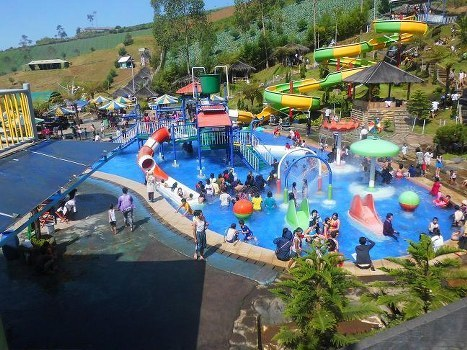 Puncak Darajad Waterboom