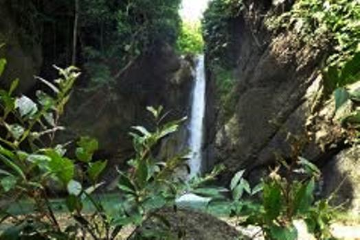 air-terjun-grenjeng1